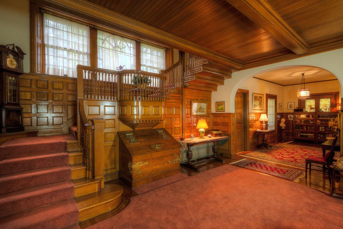 Tianderah a brownstone baronial manor gilbertsville ny for The interior ny